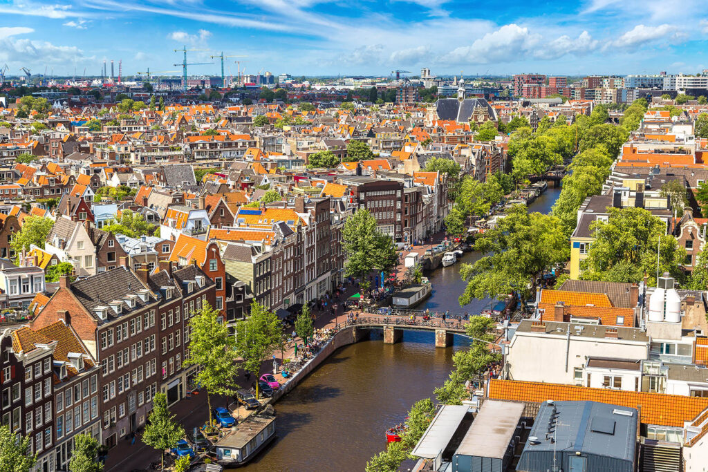 Living in the Netherlands is better than living abroad